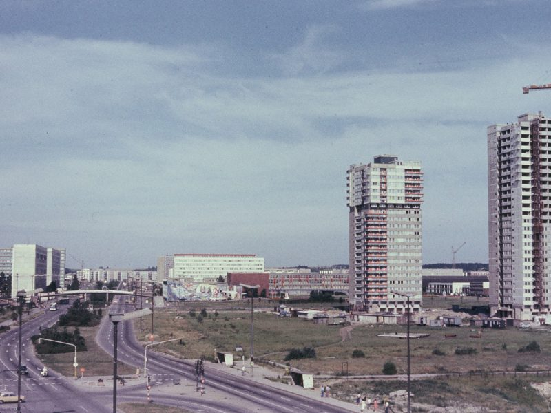 Bau Punkthochhäuser am Bruchsee - 1979
