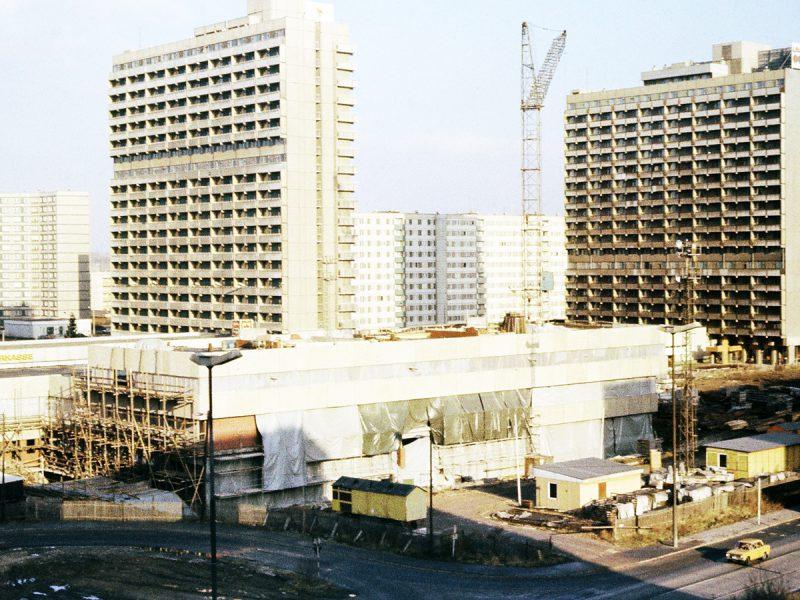 Das Haus der Dienste im Bau - 1980