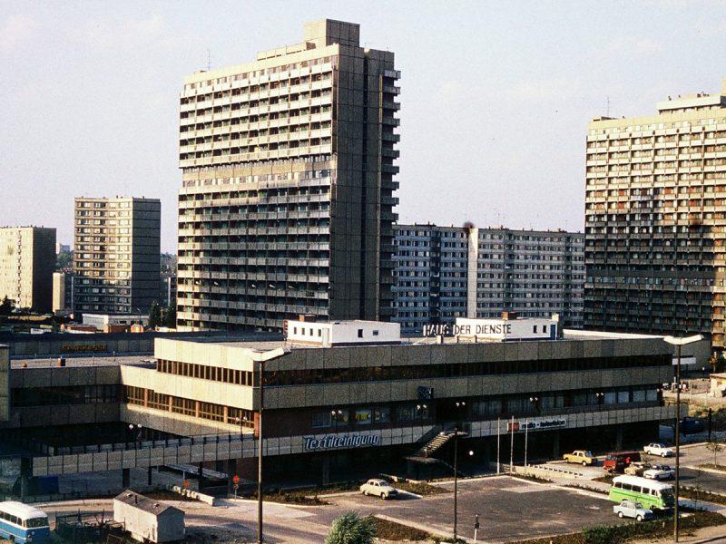 Haus der Dienste- 1982
